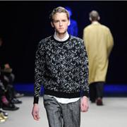 クリスヴァンアッシュ セーター round neck sweater confetti メリノウールヤーン ブラック
