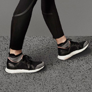 ステラマッカートニー  ウルトラブーストスニーカー adidas by STELLA McCARTNEY ブラック