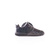 ピントリル ピンバッジ Yeezy Sneaker ブラック